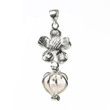 Flower Pendant, Love Pearl