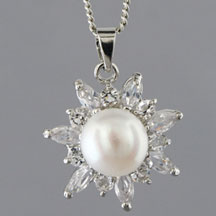 Fashion Freshwater Pearl Pendant, Star