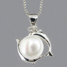 Fashion Freshwater Pearl Pendant, Dolphin