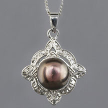 Fashion Freshwater Pearl Pendant, Badge